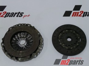 Kit Embraiagem BMW 1 (F20)/BMW 1 (F21)/BMW 2 Coupe (F22, F87)/BMW 2 Convertible (F23)/BMW 3 (E90)/BMW 3 Touring (E91)/BMW 3 Coupe (E92)/BMW 3 Convertible (E93)/BMW 3 (F30, F80)/BMW 3 Touring (F31)/BMW 4 Gran Coupe (F36)/BMW X3 (F25) Cor Unica Semi-Novo